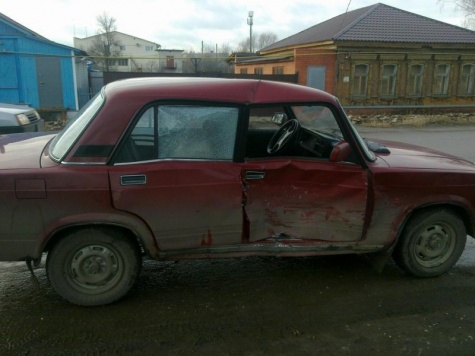 В столкновении двух ВАЗов в Скопине пострадали три пассажира 1_3310