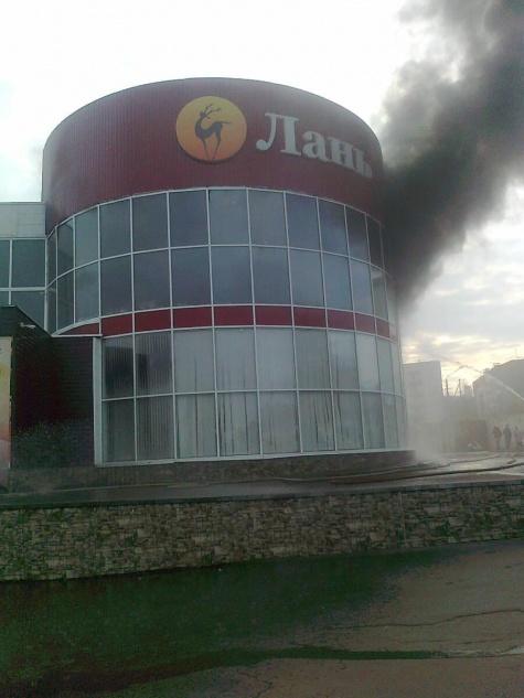 Из - за пожара в торговом центре Рязани эвакуировали 120 человек